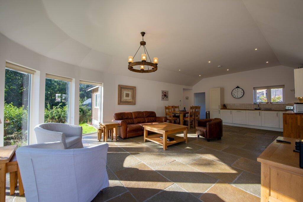Glen Lochay Lodge Dining Room Area